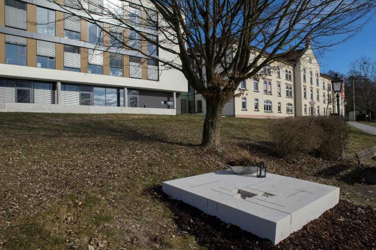 Gedenkstein Euthanasie-Mordopfer Sigmaringen - neuer Standort bei LRA-Erweiterungsbau Fotoloebe_6960