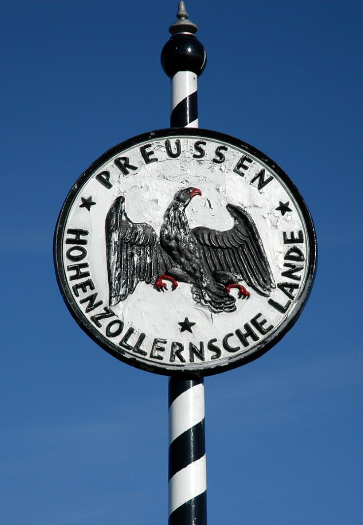 Abb. 11 Grenztafel des preußischen Regierungsbezirks der Hohenzollernschen Lande (Vorlage: Kreisarchiv Sigmaringen)